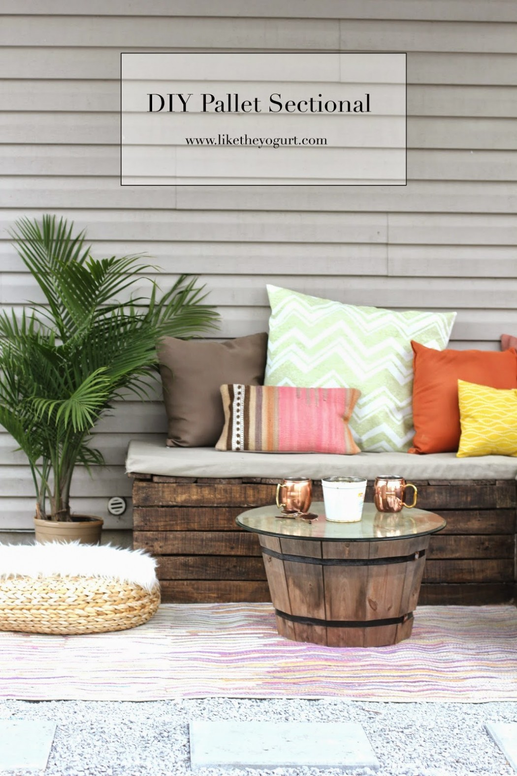 Pallet patio furniture instructions - Diy Pallet Sectional For Outdoor Furniture