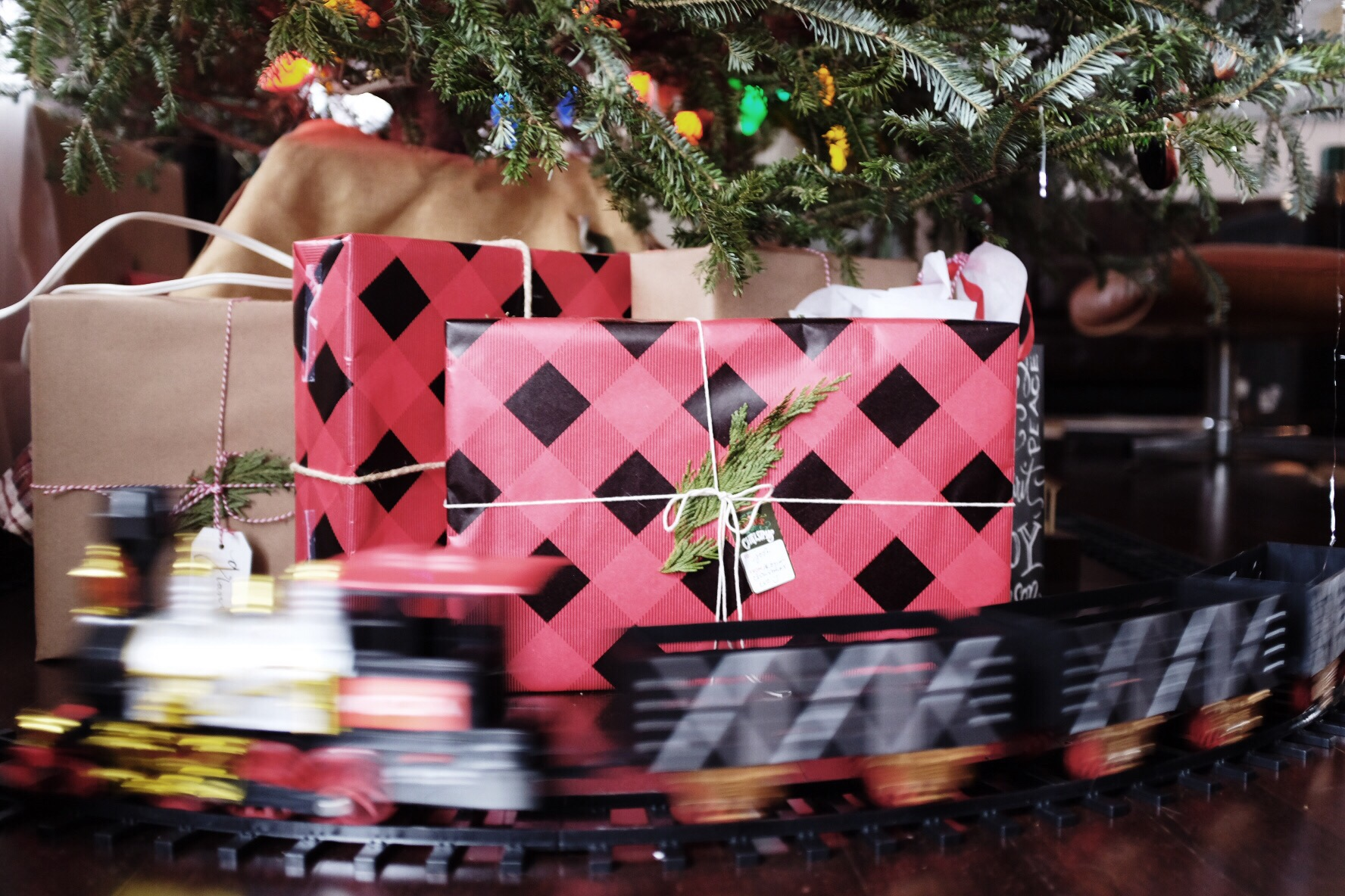 Christmas at The Hellers 2015 buffalo check plaid wrapping paper craft // Charleston Fashion Blogger Dannon Like The Yogurt