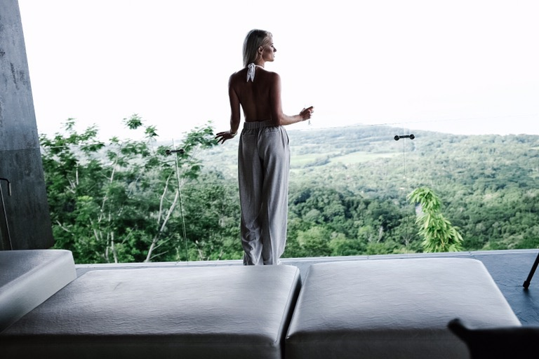 Costa Rica Featuring Kura Villas luxury modern boutique hotel infinity pool terrace H&M uvita quepos travel Charleston Fashion Blogger Dannon K. Collard Like The Yogurt