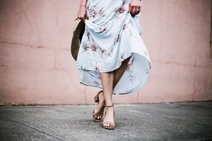Floral Maxis Forever 21 contemporary dress plunge neck fedora floppy tan hat southern street style downtown fashion week // Charleston Fashion Blogger Dannon Like The Yogurt