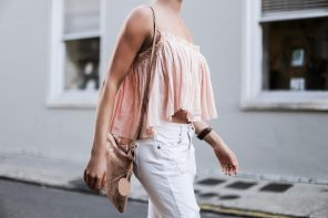 Beachy Apiece Apart Sanna Cropped Cami in Pink Quartz white distressed boyfriend jeans jbrand the sak tomboy crochet cross body satchel platinum blonde hair spring southern street style downtown // Charleston Fashion Blogger Dannon Like The Yogurt