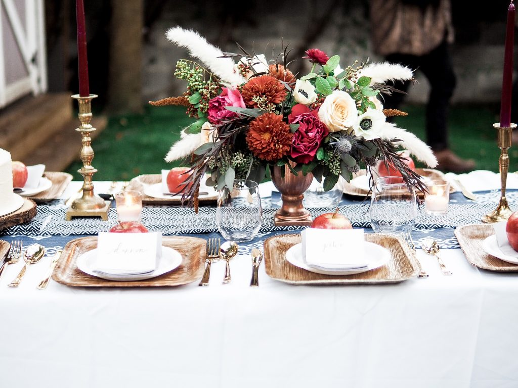 70's Friendsgiving themed Thanksgiving // Charleston Fashion Blogger Dannon K. Collard Like The Yogurt Wedding Fall inspiration tablescape table setting dinner